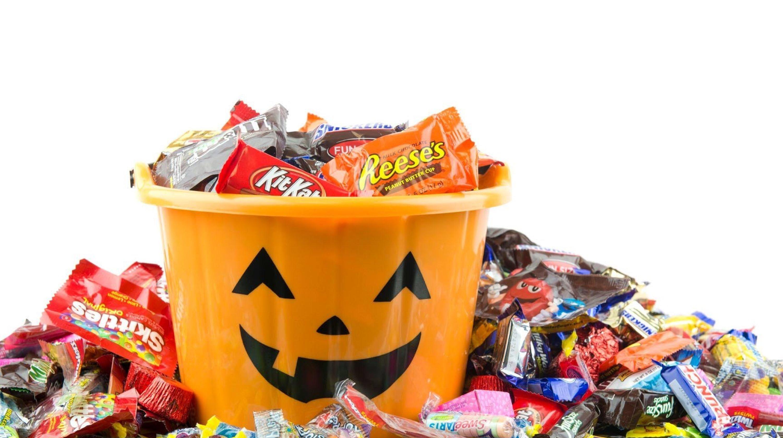 Top 10 Best Halloween Candies, Written by a Candy Addict.