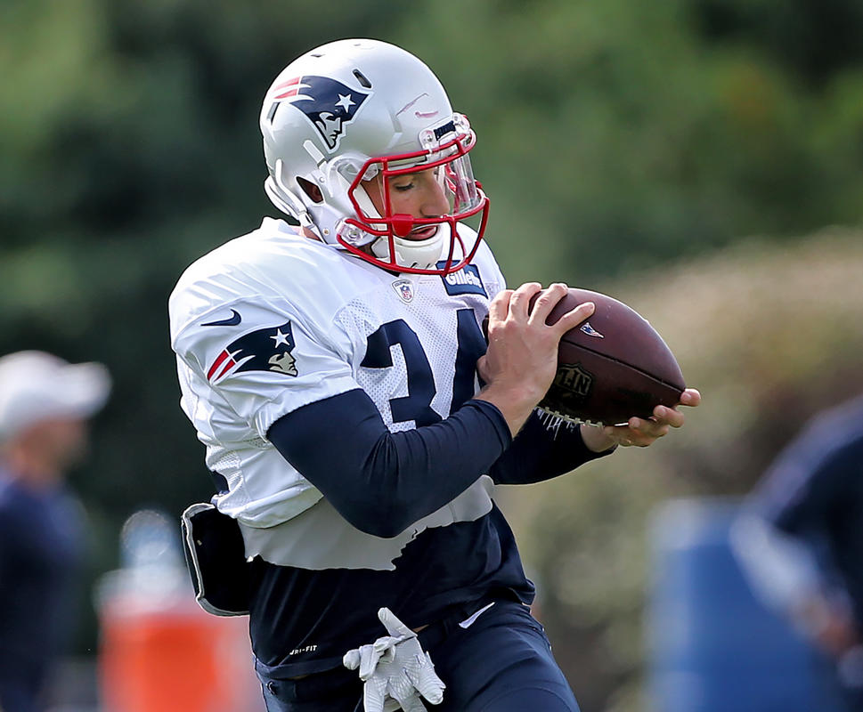 Burkhead Is Back At Practice As The Pats Hit Their Mid-Season Stride