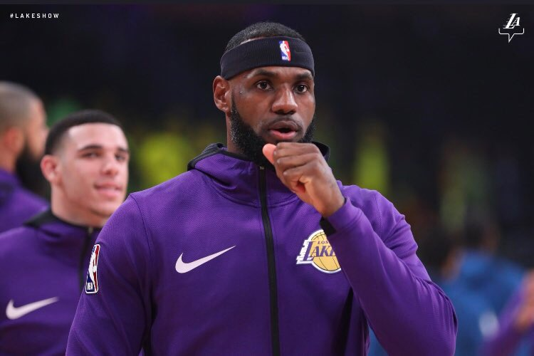 Update: It's Been 21 Days And Headband LeBron Still Isn't A Laker Great