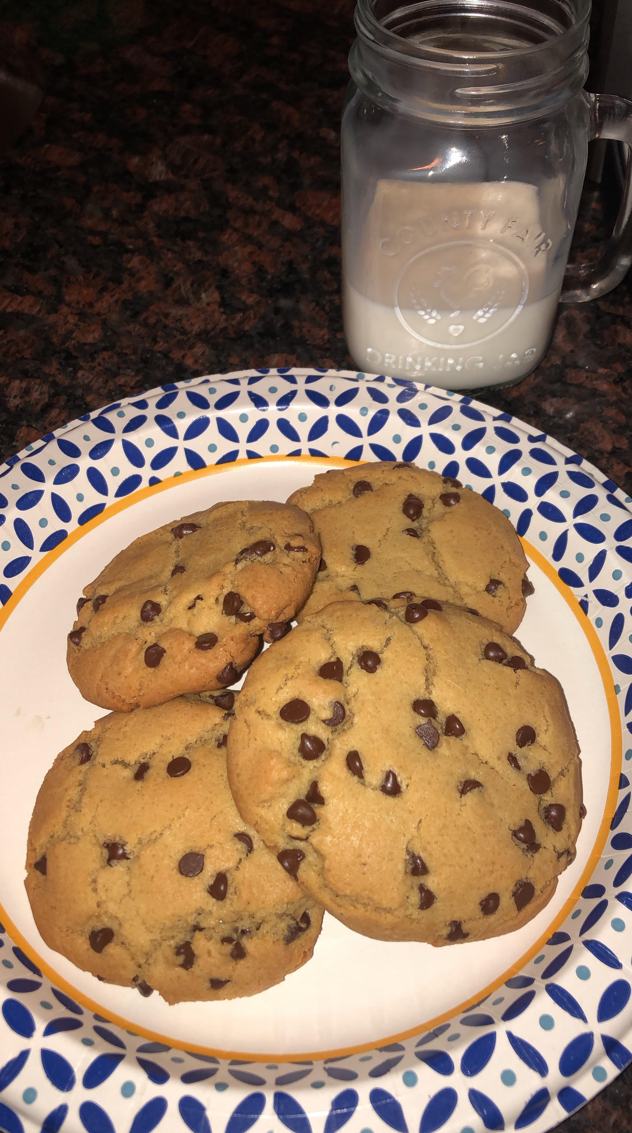 Murt's Man Bait-The Chewiest Most Amazing Chocolate Chip Cookies