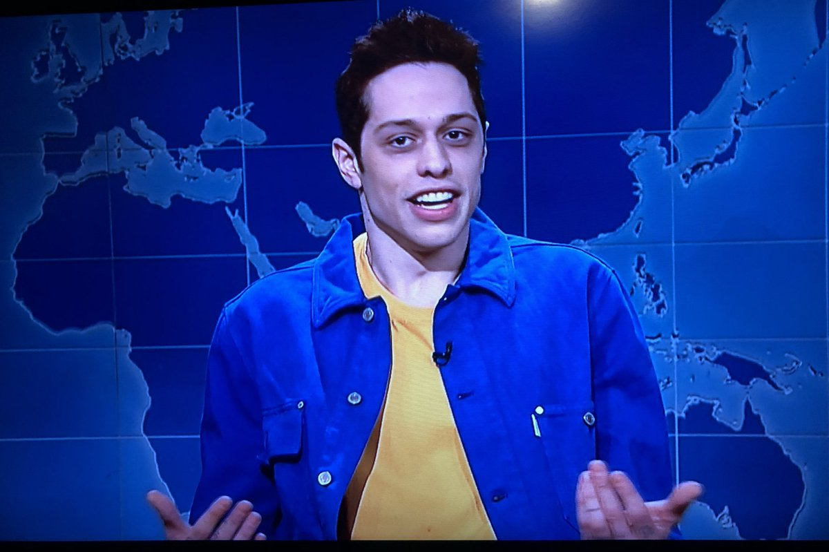 People Are Mad About Pete Davidson's Catholic Church/R. Kelly Joke