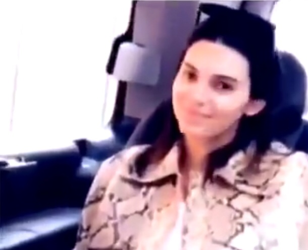 Kendall Jenner Doesn't Have Time For Your IG Story When She's Watching The Sixers