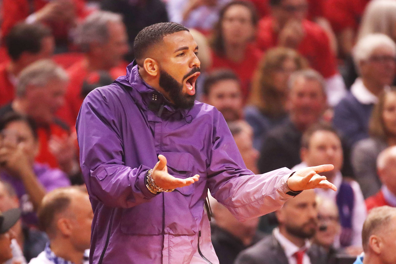 If Drake Court-side Bothers You, You're A Loser
