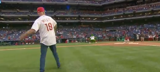 Bruce Willis Threw Out The First Pitch….Didn't Go Great
