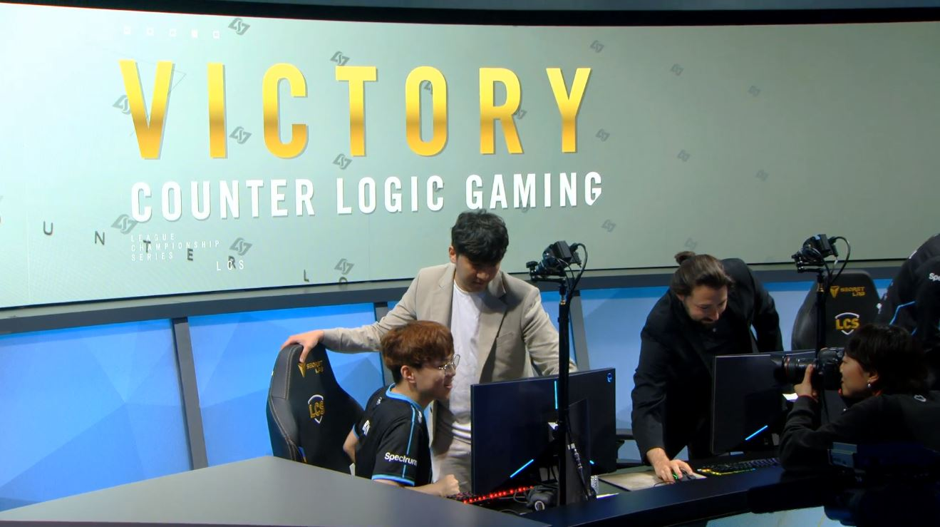 CLG Manhandle the Defending Champs