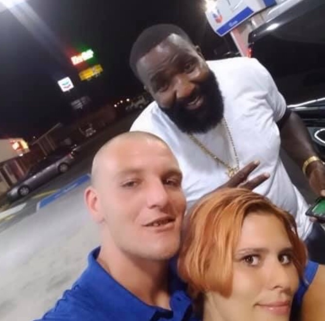 Couple In A Pinch Has LeBron James Save The Day And Pay For Their Gas, Just One Problem