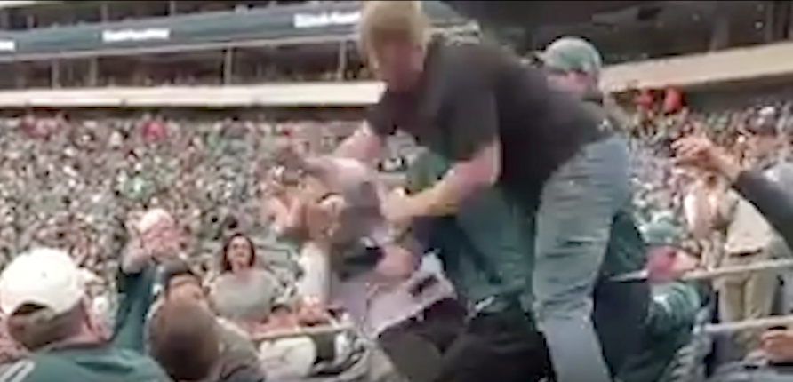 This Jets Fan Had No Chance At The Linc