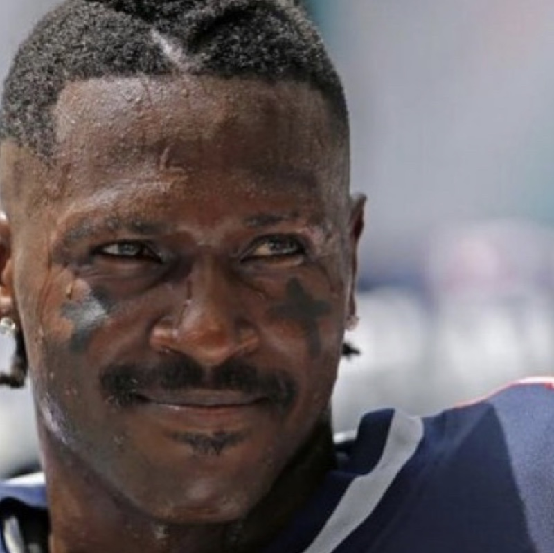 Antonio Brown Apologizes And Wants To Rejoin The Pats