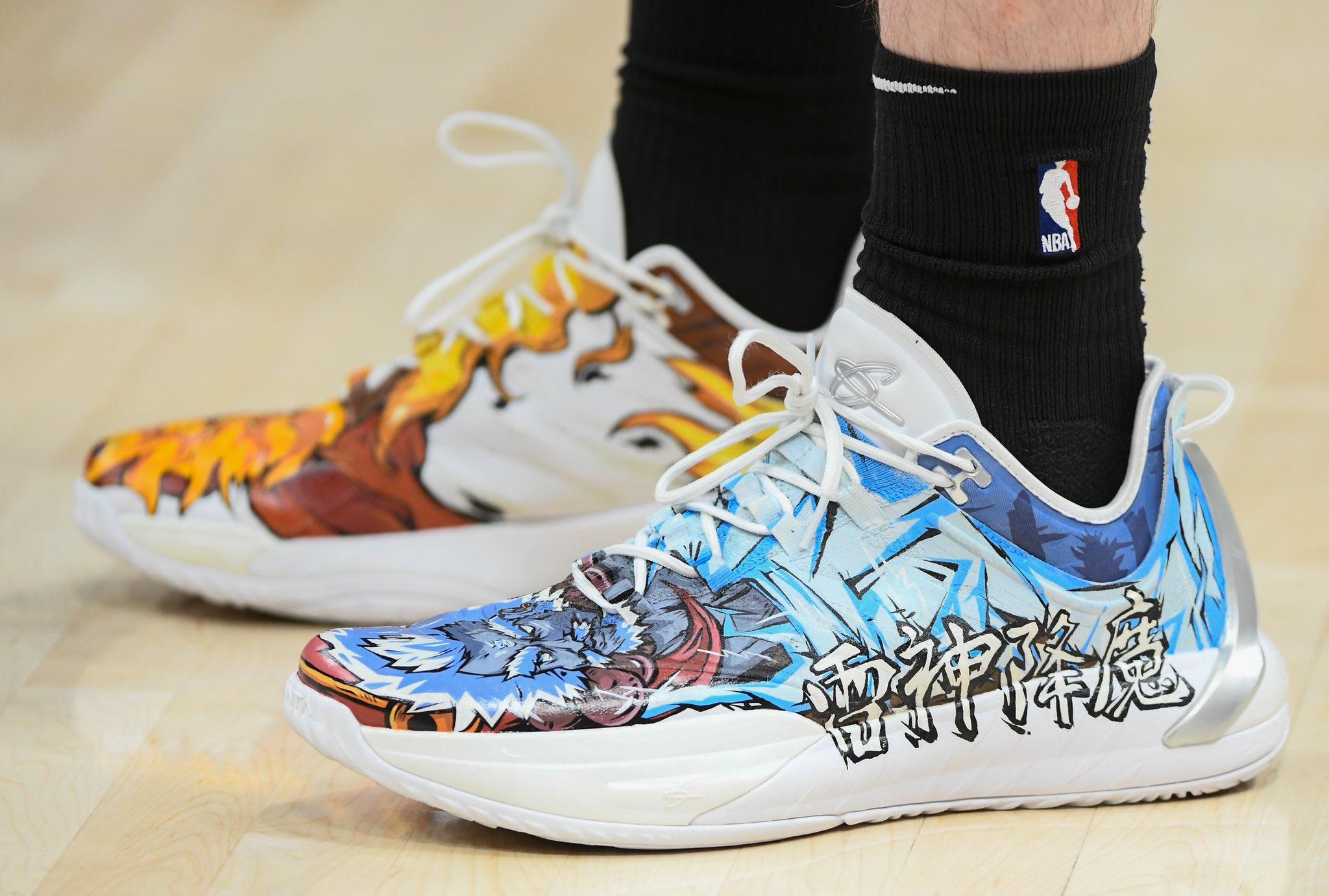 Gordon Hayward Wore Custom Coronavirus Shoes To Show His Support?
