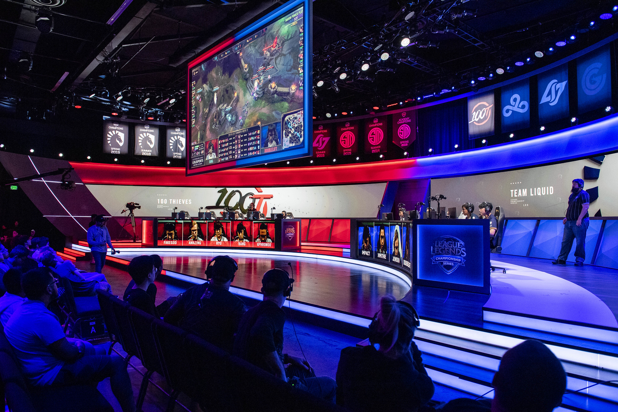 Don't Let Me Get Hot, Esports Betting Guide