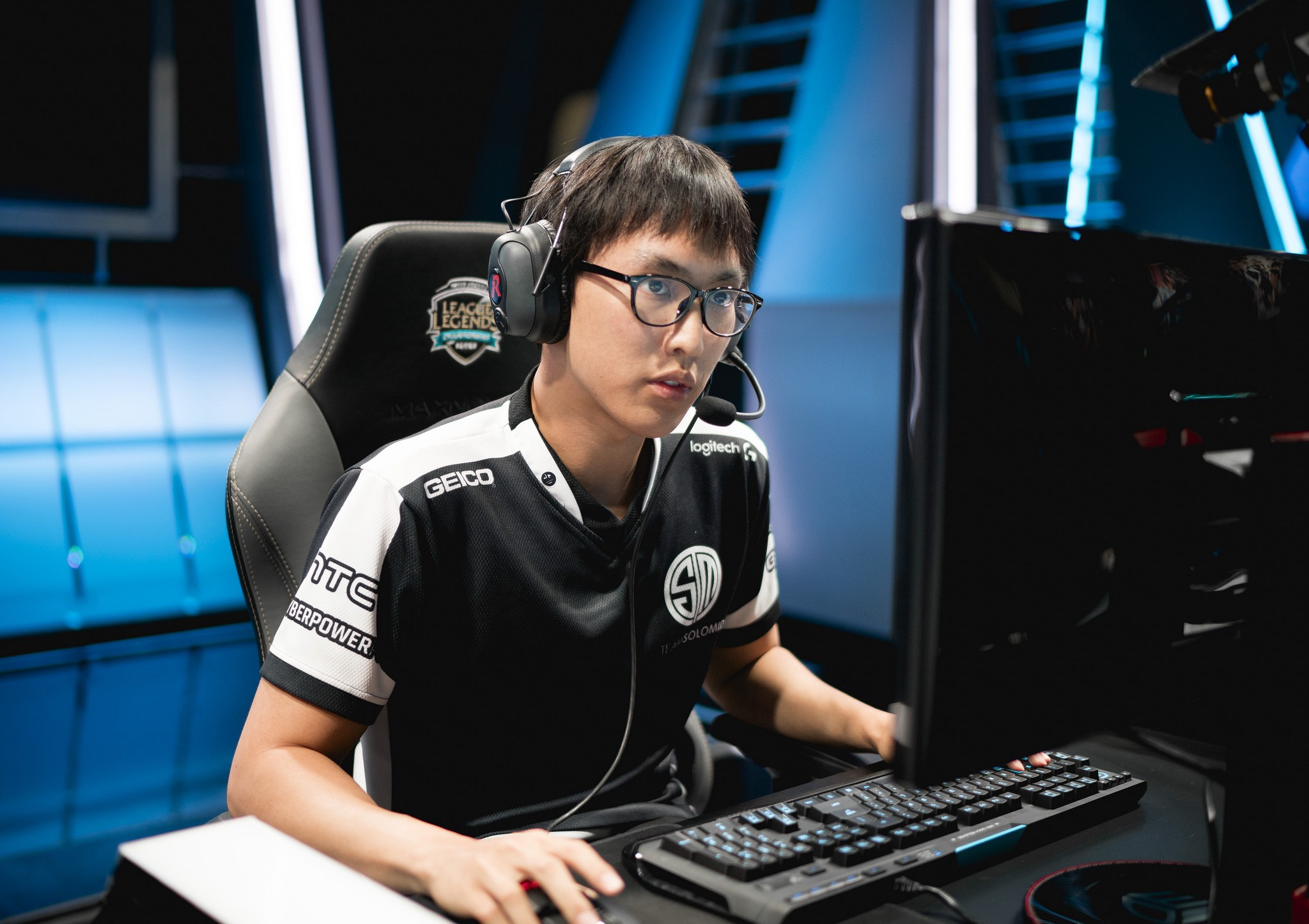 BREAKING: Doublelift Is Being Traded To TSM
