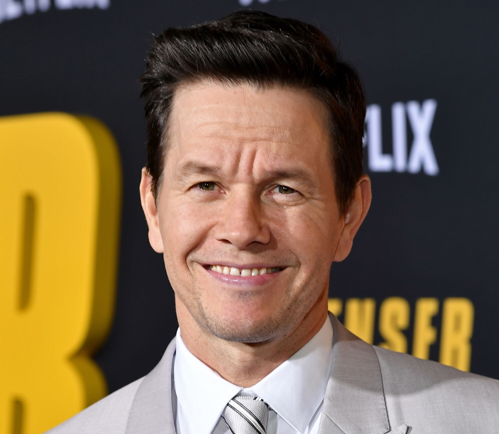 Mark Wahlberg Caught On Camera Getting His Nails, Hair And Makeup Done During The Pandemic