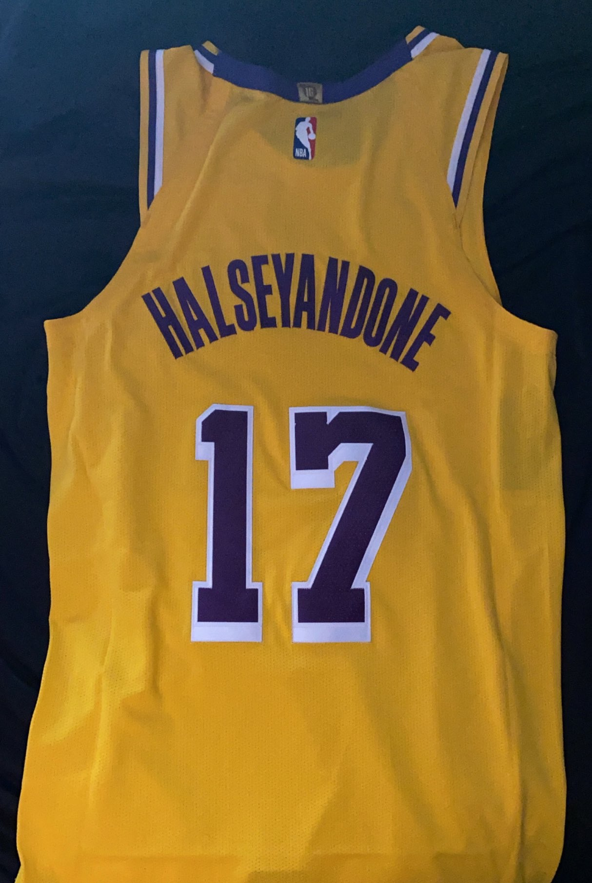 The Lakers Gave Halsey A Two Part Birthday Gift And It's All Anyone Could Ask For