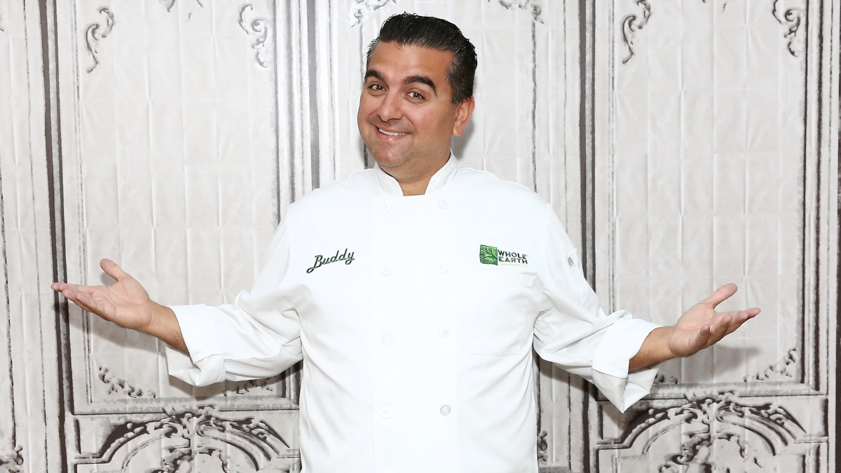 Clap It Up For The Cake Boss
