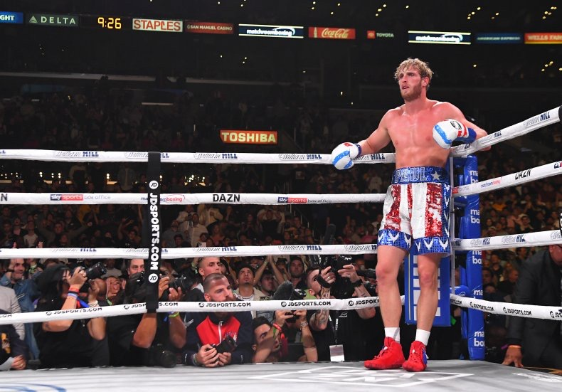 Logan Paul Vs Floyd Mayweather SIGNED For Later This Year…..Maybe.