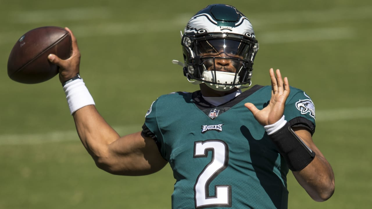 Jalen Hurts Should Start For the Eagles on MNF
