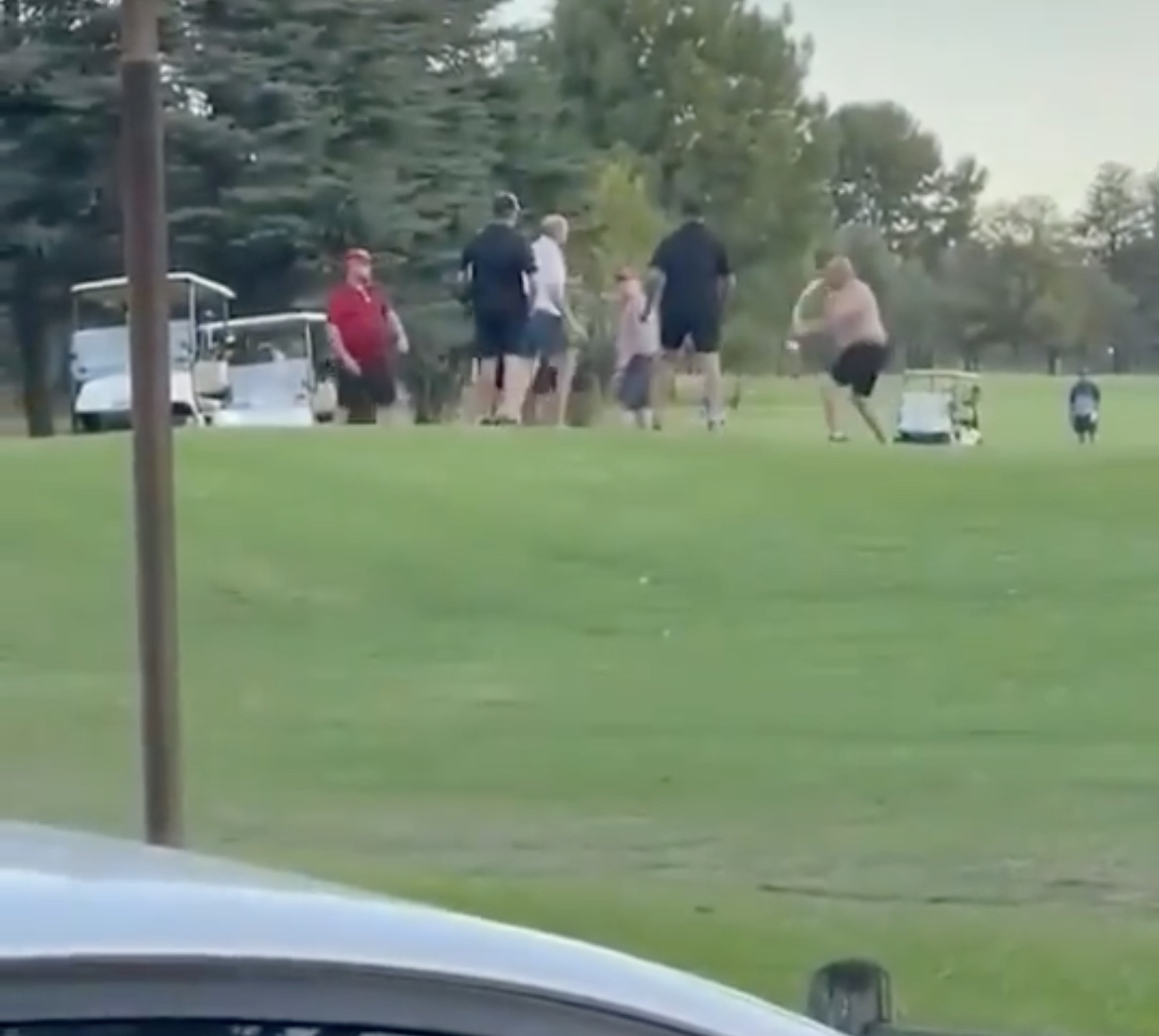 (Video) Golf Course Fight With A Flag Used As A Weapon