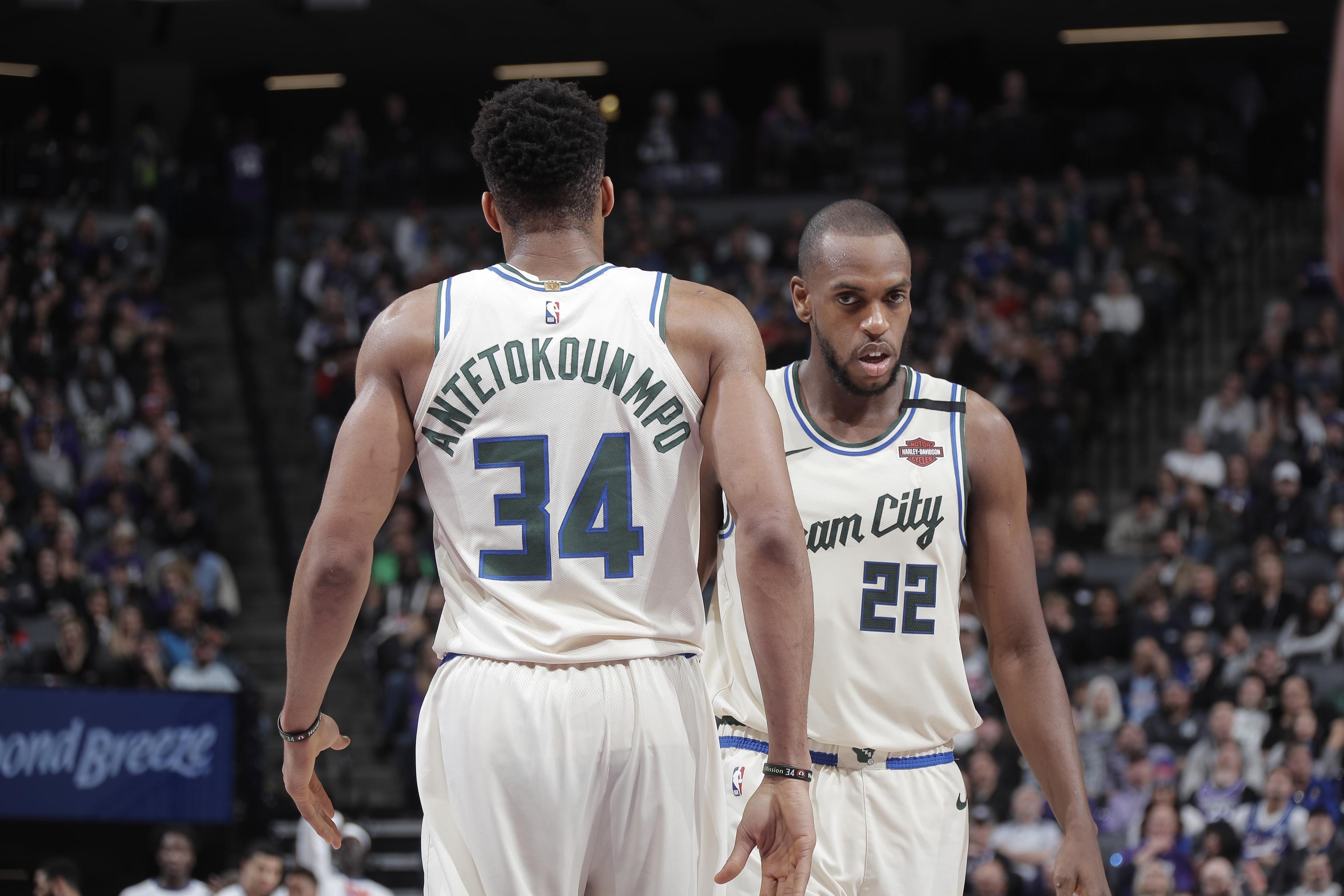 """The NBA Finals Has A Lot Of """"Fans"""" Looking Dumb"""